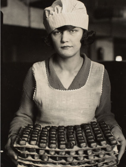 Photo by Lewis Hine . Source: icp.org
